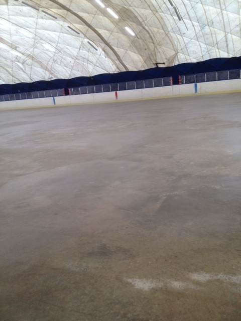Hízik a jég a Millenáris-sátorban (2013. október 22.)
