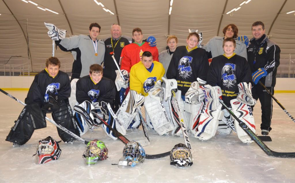 MAC-kapusok - első sor (balról jobbra): Varga Marcell (U12), Szabó Balázs (U12), Farkas Roland (U14), Kapin György (U12), Gottwald Levente (U12); hátsó sor (balról jobbra): Arany Gergely (U18), Pichelr Gyula edző, Medgyes Csaba (U16), Bobos Kristóf (U18), Szabó Tamás edző