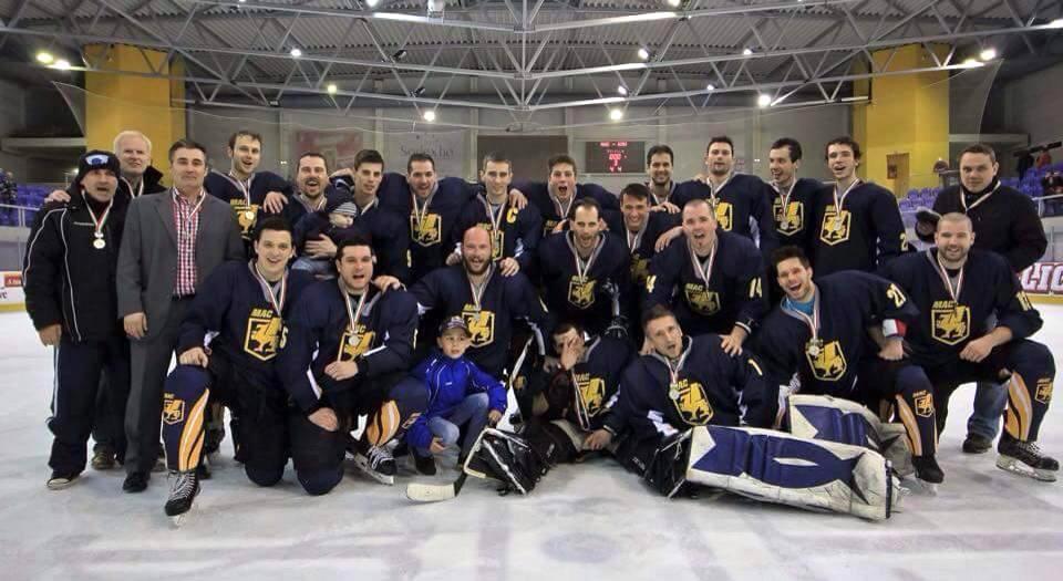 Ezüstérmes OB III-as felnőtt csapatunk, a MAC-MHC