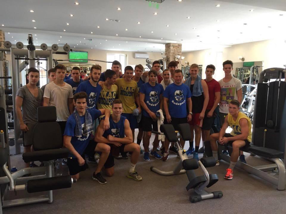 Az edzések mellett házi mérkőzéssel és ausztriai edzőmeccsel kezdi a felkészülést az U18